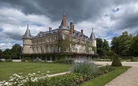 L'attribut alt de cette image est vide, son nom de fichier est château-de-Rambouillet.jpg.